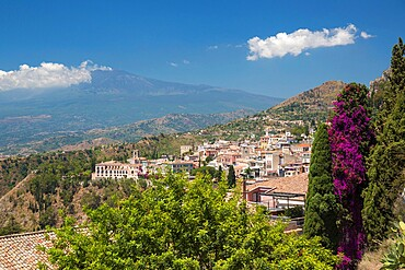View over the town from the Greek Theatre, Mount Etna in background, Taormina, Messina, Sicily, Italy, Mediterranean, Europe