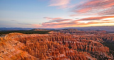 Panoramic view over the Silent City from the Rim Trail at Inspiration Point, dawn, Bryce Canyon National Park, Utah, United States of America, North America