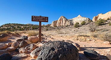 Signpost at junction of the Hickman Bridge, Rim Overlook and Navajo Knobs Trails, Fruita, Capitol Reef National Park, Utah, United States of America, North America