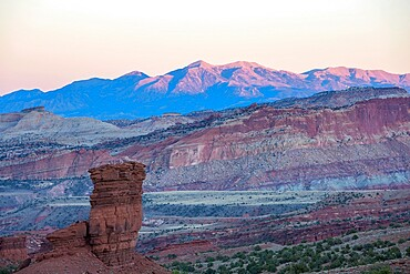 View from Sunset Point to the Waterpocket Fold and distant Henry Mountains, sunset, Capitol Reef National Park, Utah, United States of America, North America