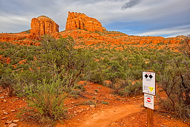 Cathedral Rock at the intersection of upper Baldwin Loop and HiLine Trails with sign warning that the HiLine Trail is for experts only, Sedona, Arizona, United States of America, North America