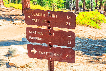 Yosemite National Park sign for Glacier Point, Taft Point and Sentinel Dome, UNESCO World Heritage Site, California, United States of America, North America