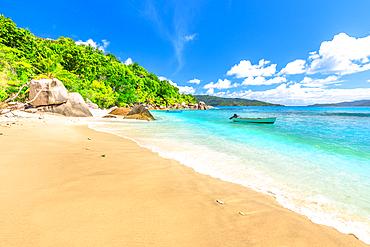 Felicite Island, peaceful landscape of Seychelles beach near La Digue, Seychelles, Indian Ocean, Africa