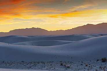 White Sands National Park at sunset, New Mexico, United States of America, North America