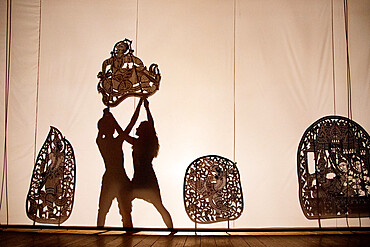 Shadow puppet show, Phnom Penh, Cambodia, Indochina, Southeast Asia, Asia