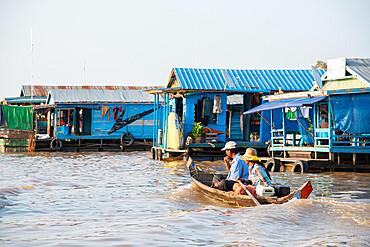 Floating village at Tonle Sap Lake, Cambodia, Indochina, Southeast Asia, Asia
