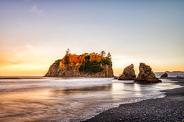 Sunrise at Ruby Beach in Olympic National Park, UNESCO World Heritage Site, Washington State, United States of America, North America - 1320-112
