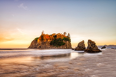 Sunrise at Ruby Beach in Olympic National Park, UNESCO World Heritage Site, Washington State, United States of America, North America