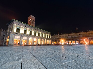 Palazzo of Podesta in the historical centre of Bologna, Piazza Maggiore, Bologna, Emilia Romagna, Italy, Europe