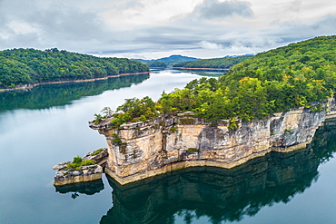 Rocky Point on Summersville Lake, West Virginia USA