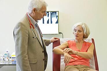 Rheumatology, eldery person