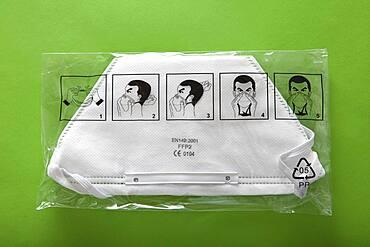 Masque de protection respiratoire FFP2, assurant notamment une protection contre la grippe porcine.