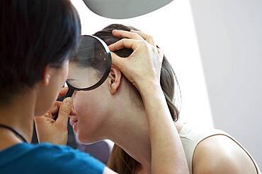 Dermatology, symptomatology, wom