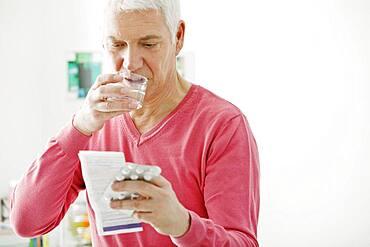 Cholesterol treatment, elderly