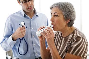 Breathing, spirometry elderly person.