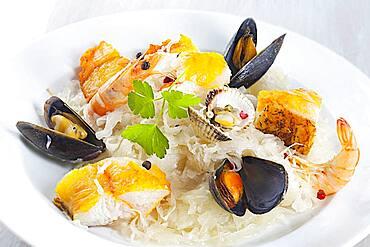 Seafood sauerkraut