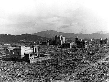 WWII, Nagasaki, Aftermath of Atomic Bomb, 1945