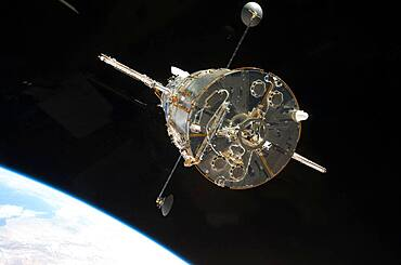 Final Mission to Hubble