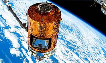 Kounotori 7 Cargo Craft at the ISS