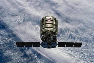 Cygnus Cargo Craft Approaches ISS