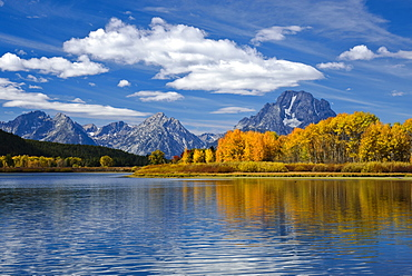 The Teton Range and Oxbow Bend on the Snake River in Grand Teton National Park, Wyoming.
