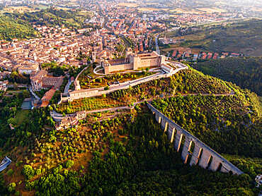 Whole cityscape of Spoleto, with the Roman aqueduct, the fortress and the old town, Spoleto, Umbria, Italy, Europe