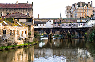 View of the Pulteney Bridge over River Avon from the north side, Bath, Somerset, England