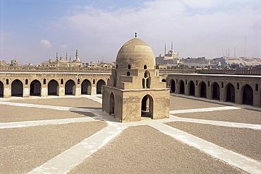 Ibn Tulun Mosque, UNESCO World Heritage Site, Cairo, Egypt, North Africa, Africa