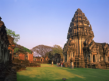 Temples in the central sanctuary at Prasat Hin Phimae on the Khorat plateau in Thailand, Southeast Asia, Asia