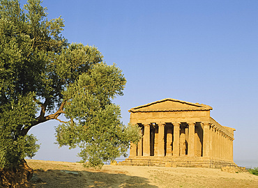 Temple of Concord, Valley of the Temples, Agrigento, Sicily, Italy