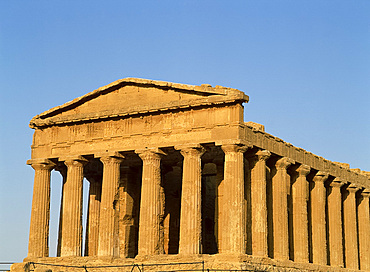 The Temple of Concord in the Valley of the Temples at Agrigento, UNESCO World Heritage Site, on the island of Sicily, Italy, Europe