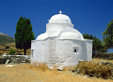 Whitewashed church on Sifnos, Cyclades, Greek Islands, Greece, Europe