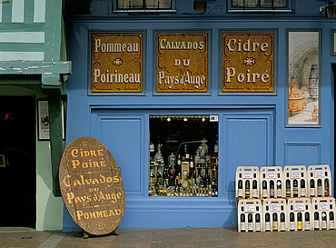 Cider and calvados shop in Honfleur, Normandy, France, Europe