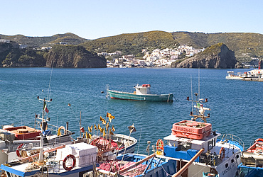 Fishing boats around the island of Ponza, off the southwest coast of Italy, Italy, Mediterranean, Europe
