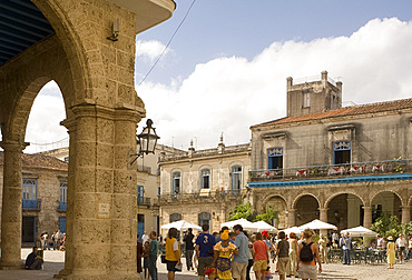 Tourists in the Plaza de la Catedral in Habana Vieja (old town), Havana, Cuba, West Indies, Central America