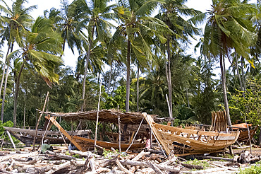 Traditional boat building in Nungwi, Zanzibar, Tanzania, East Africa, Africa