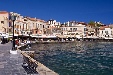 Tavernas and restaurants surrounding the harbour in the old town section of Hania (Chania) (Xania), Crete, Greece, Europe