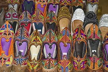 Colourful traditional style Indian shoes for sale in the Sardar market in Jodhur, Rajasthan, India, Asia