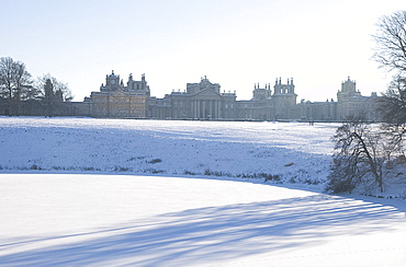 Blenheim Palace and the grounds covered with snow, Oxfordshire, England, United Kingdom, Europe