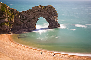 Durdle Door, a natural stone arch in the sea, Lulworth, Isle of Purbeck, Jurassic Coast, UNESCO World Heritage Site, Dorset, England, United Kingdom, Europe