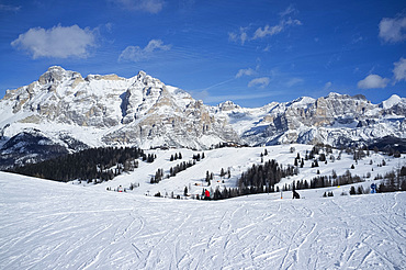 The Alta Badia ski resort with Lavarella and Contourines mountains behind, Corvara, Dolomites, South Tyrol, Italy, Europe