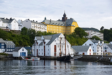 The seafront in the harbour in Alesund, More og Romsdal, Norway, Scandinavia, Europe