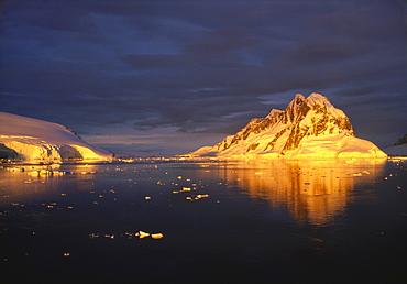 Midnight Sun on the Antarctic Peninsula