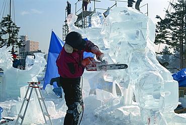 Ice sculptor at work, Hokkaido, Japan, Asia