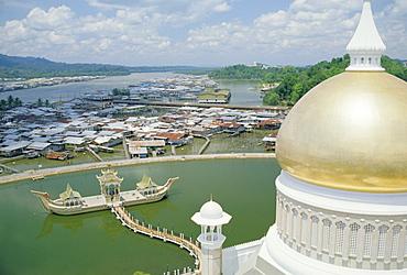 Omar Ali Saifuddin Mosque, Bandar Seri Begawan, Sultanate of Brunei, on the island of Borneo