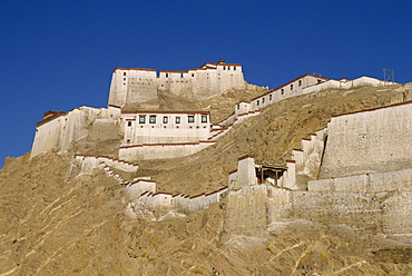 The Dzong or fort at Gyantse in Tibet, China, Asia