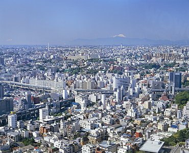 City skyline with Mount Fuji in the distance, Tokyo, Honshu, Japan, Asia