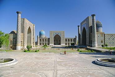 Registan Square, Samarkand, Uzbekistan, Central Asia