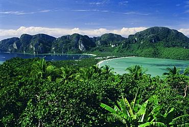 Elevated view of double bays of Ao Ton Sai and Ao Dalam, Phi Phi Don Island, Phuket Province, Thailand, Asia