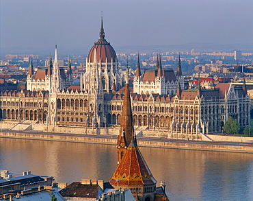 The River Danube and Parliament Building in Budapest, Hungary *** Local Caption ***